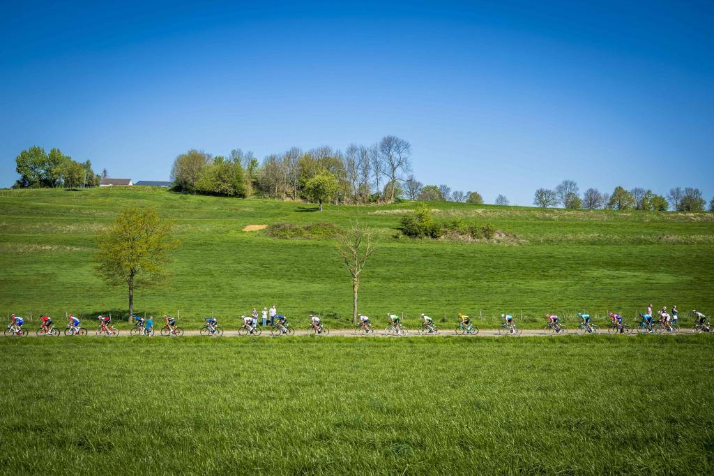 The peleton rides during the womens <HIT>Amstel</HIT> Gold Cycling Race in Maastricht, Netherlands on April 21, 2019. (Photo by Marcel van Hoorn / ANP / AFP) / Netherlands OUT
