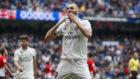Benzema celebra uno de sus goles al Athletic.