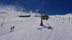 El centro granadino posee hasta tres metros de nieve