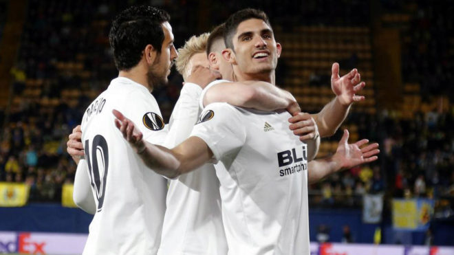 Guedes celebrating one of his goals against Villarreal in the Europa...
