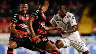 Omar Mendoza y Jefferson Murillo en el Veracruz vs Xolos del Apertura...