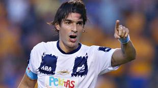Sebastián Abreu durante un partido de leyendas en 2016.