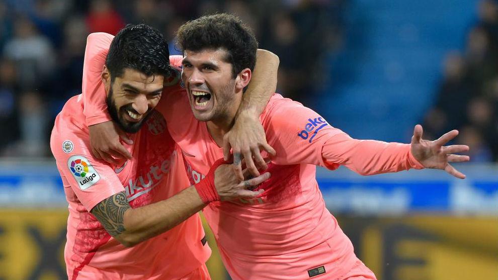 Luis Suárez y Aleñá, goleadores del Barcelona ante el Alavés.
