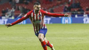Correa celebra el gol de la victoria ante el Valencia.