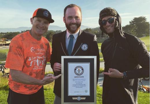 Eric Byrnes entra en el Guinness World Records  tras completar 420...