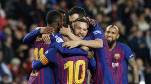 La plantilla del Barça celebra un gol