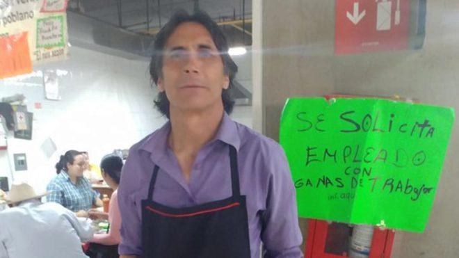 'Lupillo' Castañeda se prueba como mesero para invertir en fonda