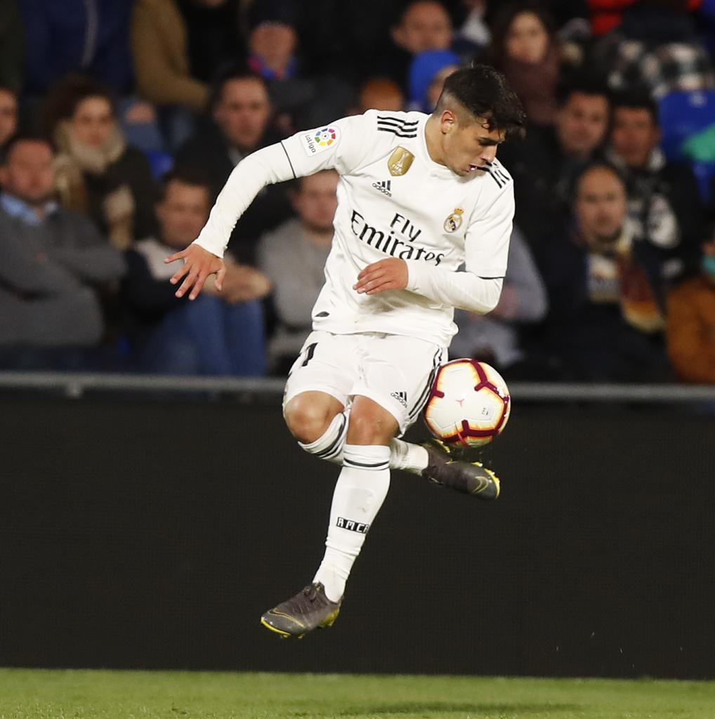 Brahim controlling the ball against Getafe.