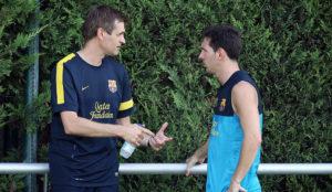 Tito Vilanova habla con Messi en un entrenamiento en una pretemporada...