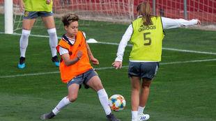 Jugadoras de la selección española realizan un entrenamiento en Las...