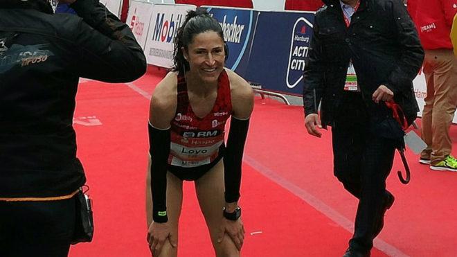 Elena Loyo sonríe tras acabar la carrera.