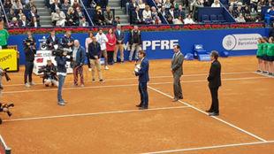 Ferrer recbe el homenaje del RCT Barcelona