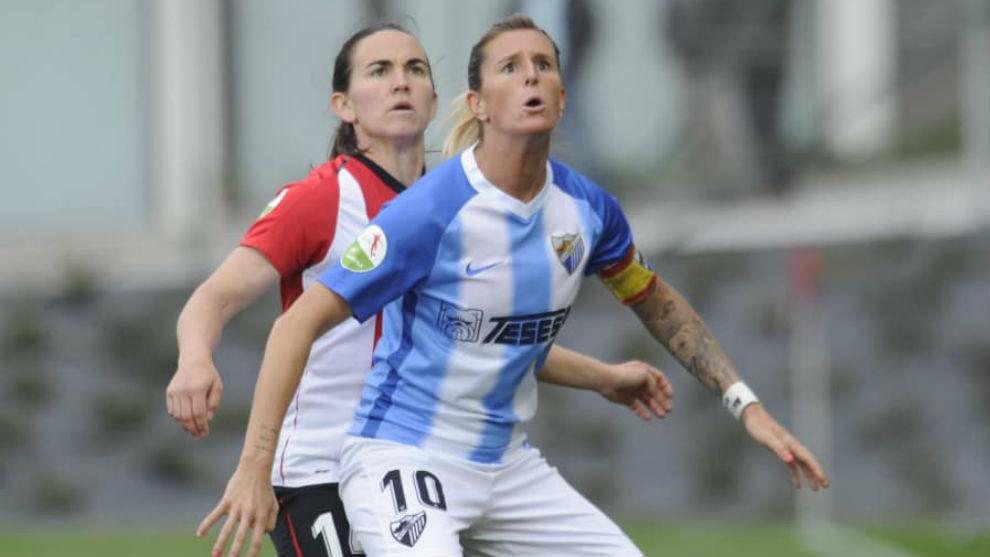 Adriana Martín, capitana del Málaga, en su duelo ante el Athletic...