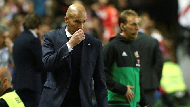 Zidane looking furious.