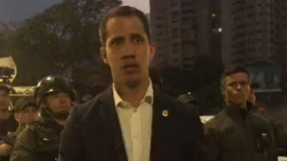 Juan Guaidó, durante su manifiesto tras el alzamiento militar en...