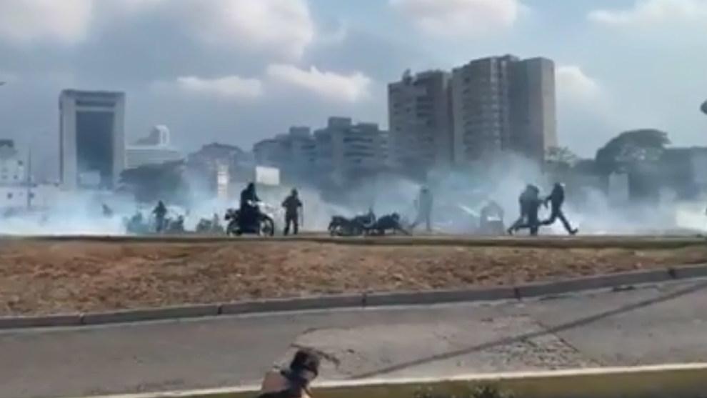 Golpe de estado en Venezuela: videos de los choques en La Carlota