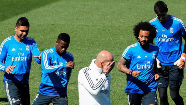 Zidane, en un entrenamiento en Valdebebas