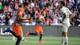 Congre celebra uno de los goles del Montpellier ante la mirada de Di...