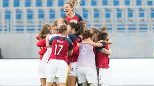 Las jugadoras de Noruega celebran un gol en la fase de clasificación.