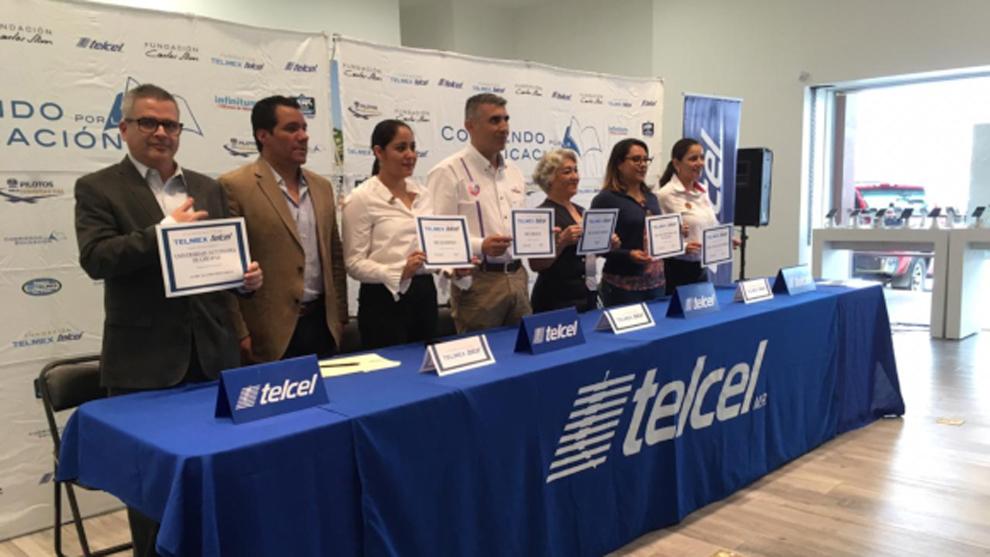 Fundación TELMEX Telcel estará en la carrera de la Serie NASCAR de...
