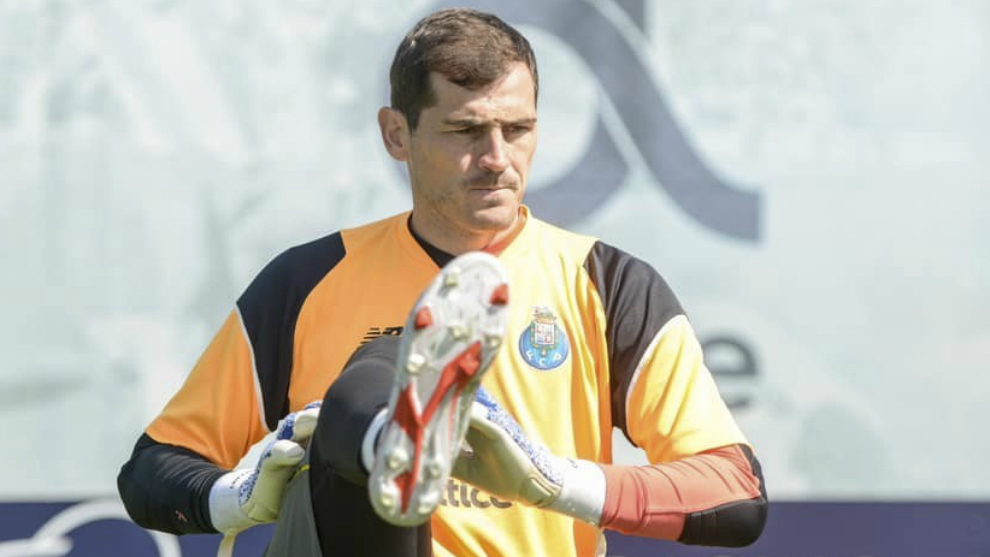 Casillas durante un entrenamiento con el Oporto