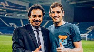 El 'Macho' compartió una foto al lado de Casillas.