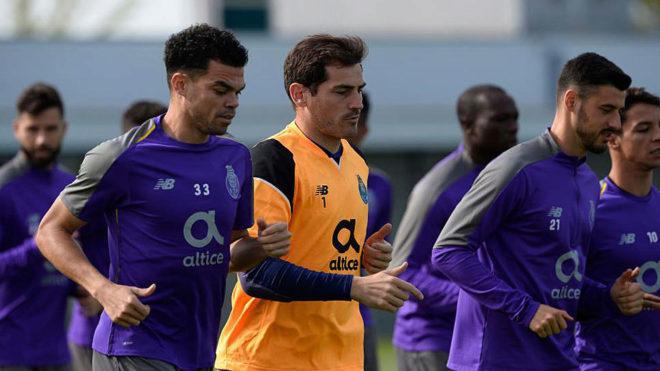 Casillas, junto a Pepe en un entrenamiento.