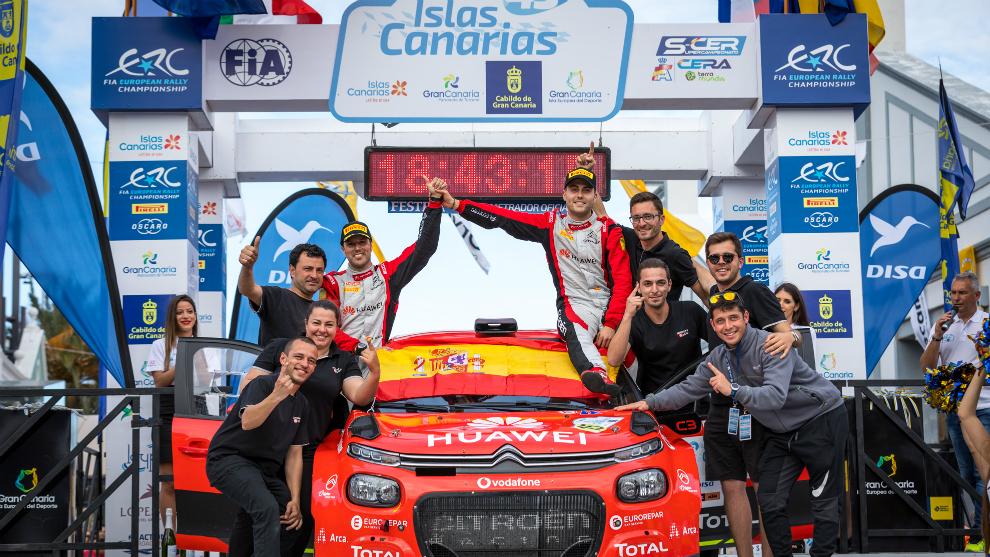 El Citroën Rally Team en el podio de Gran Canaria.