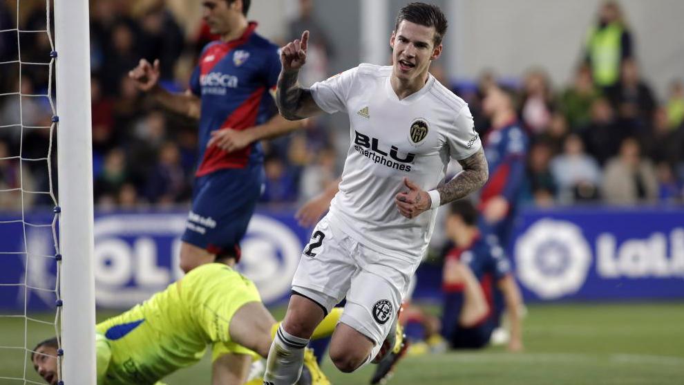El increíble caso de Santi Mina: sexto doblete entre Liga, Copa y Champions