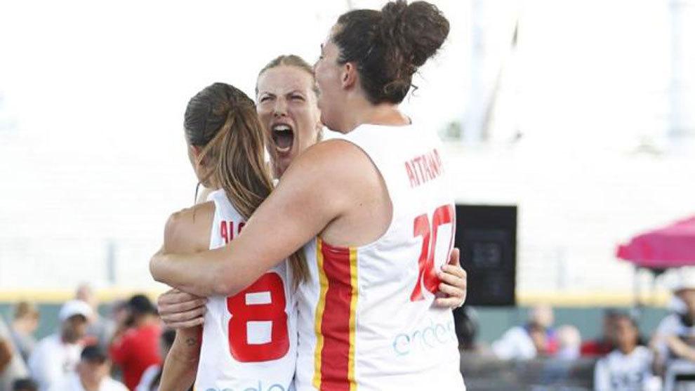 Ygueravide, Cuesta y Palomares celebran la victoria ante Nueva Zelanda
