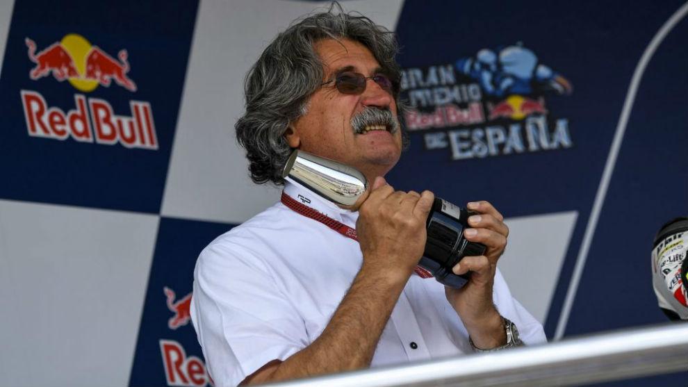 Paolo Simoncelli, en el podio de Jerez.