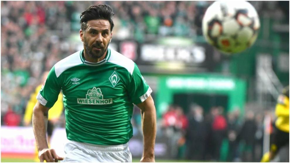 Cuotas especiales de Claudio Pizarro y repaso por su carrera > ¿Cuánto paga por marcar? ¿Cuánto paga por ganar? Conoce esto y el mejor repaso de su trayectoria.