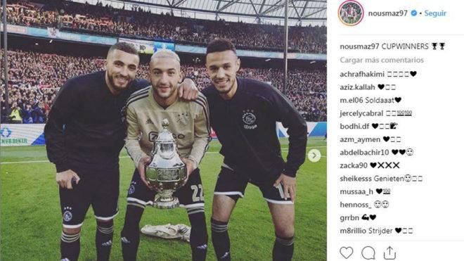 Labyad, Ziyech y Mazraoui posan junto a la Copa Holandesa este...