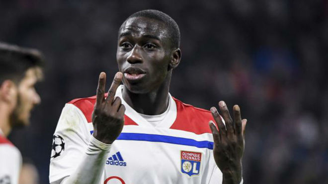 Ferland Mendy playing for Lyon.