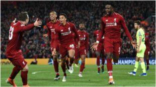 Divock Origi celebra su segundo gol al Barcelona.