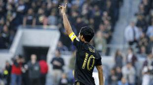 Vela celebra un gol con LAFC.