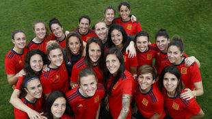 Las jugadoras de la selección española posan en al presentación de...