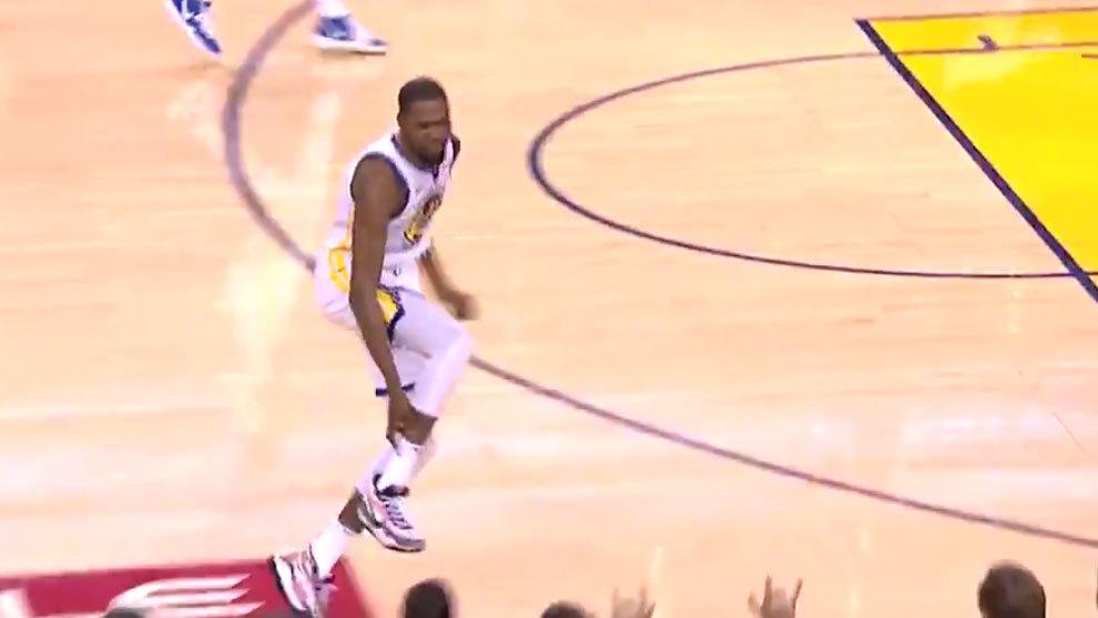 Momento en el que Kevin Durant se duele del gemelo