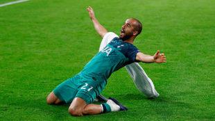 Lucas Moura celebra el pase del Tottenham a la final de la Champions
