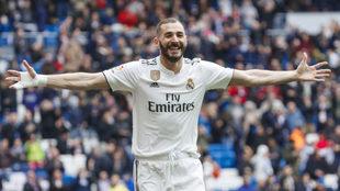 Karim Benzema, celebrando un gol de esta temporada.
