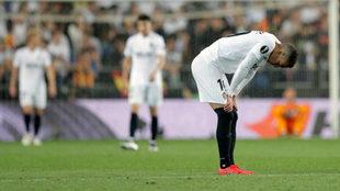 Rodrigo se lamenta tras el pitido final del árbitro.