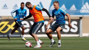 Benzema y Marcos Llorente, en el entrenamiento de esta mañana.