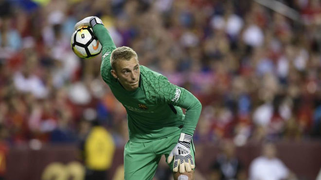 Jasper Cillessen playing for Barcelona.