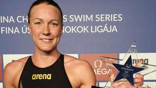 Sarah Sjöström, con un trofeo en Budapest.