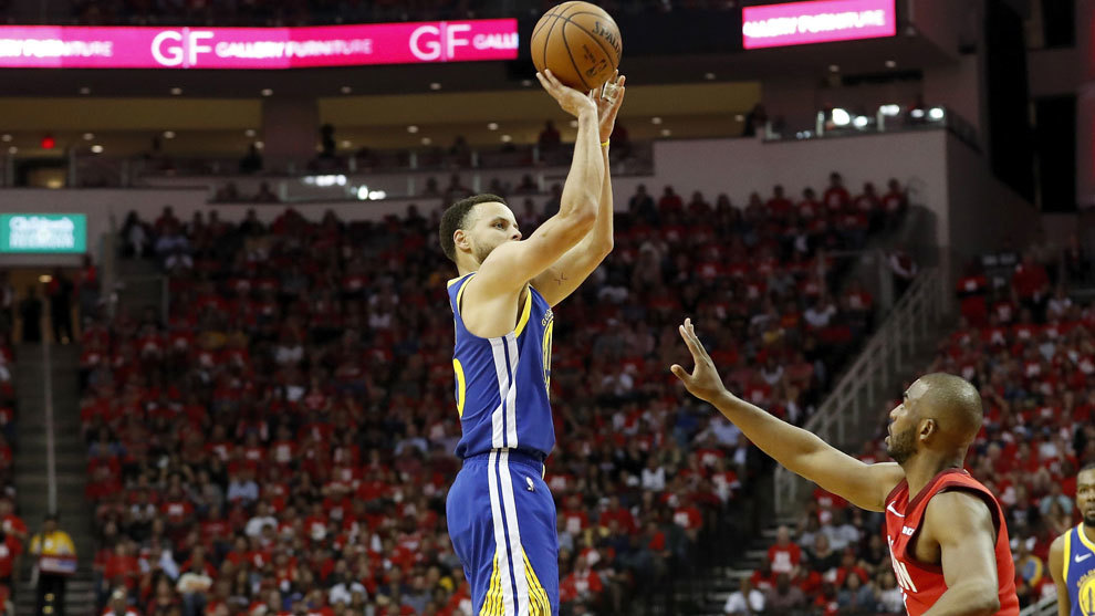 Curry lanza ante Chris Paul