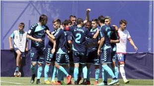 Los jugadores del Albacete celebran un gol ante el majariego Galán