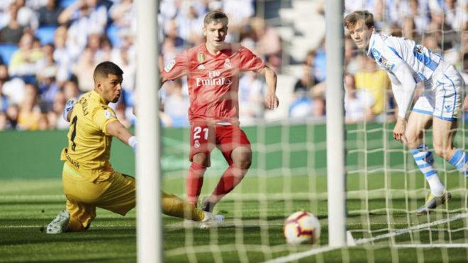 Brahim, marcando ante la Real Sociedad.