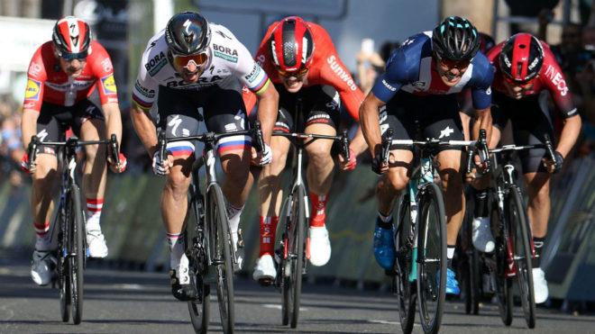 Peter Sagan gana al esprint la primera etapa del Tour de California.