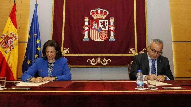 Margarita Robles y Alejandro Blanco.