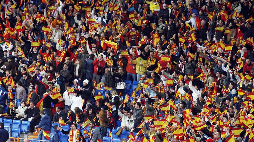 La grada del Bernabéu en el último España-Suecia en casa, en 2007.